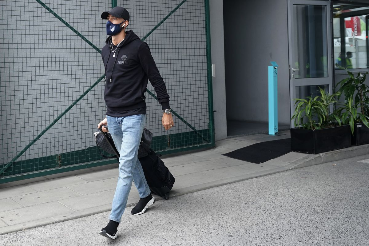 Atletico Madrid Arrive in Lisbon for the Champions League