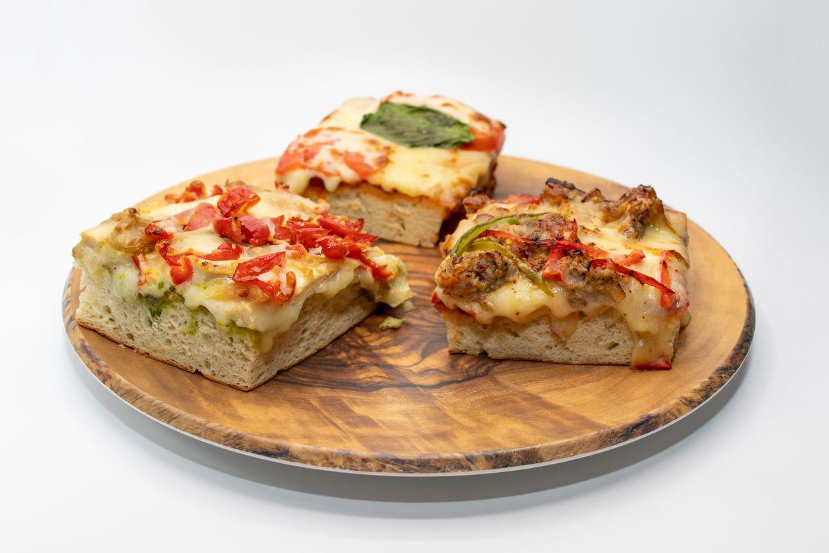 Focaccia pizzas at Prendi