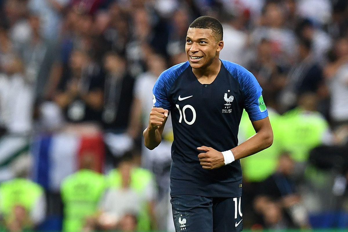 Soccer: World Cup-Croatia vs France