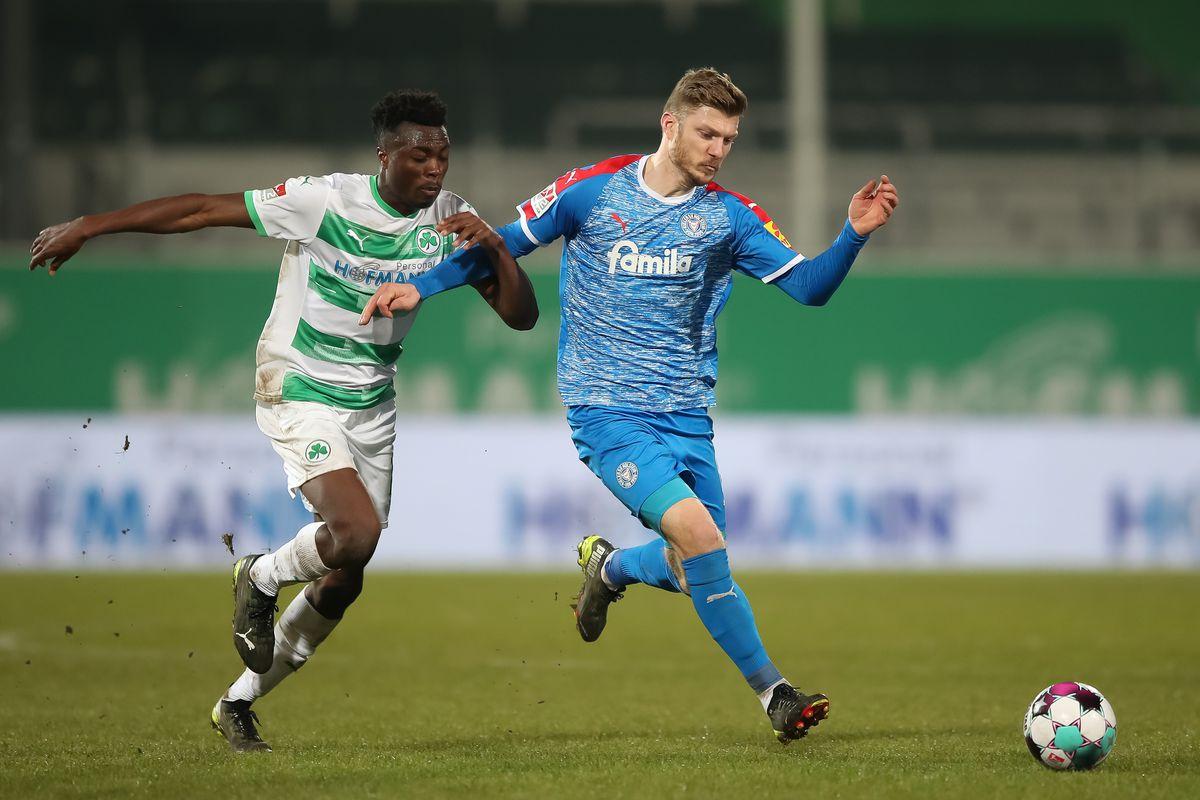 SpVgg Greuther Fürth v Holstein Kiel - Second Bundesliga