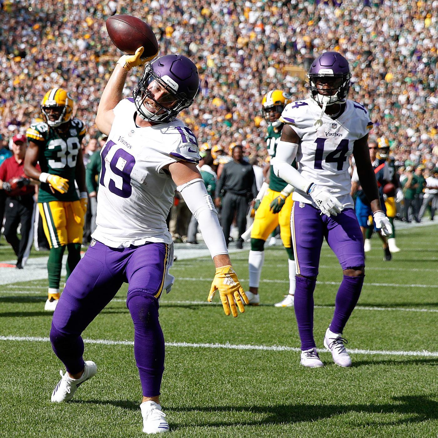 buy online 41c92 cdd0c How Adam Thielen went from a $500 D2 scholarship to record ...