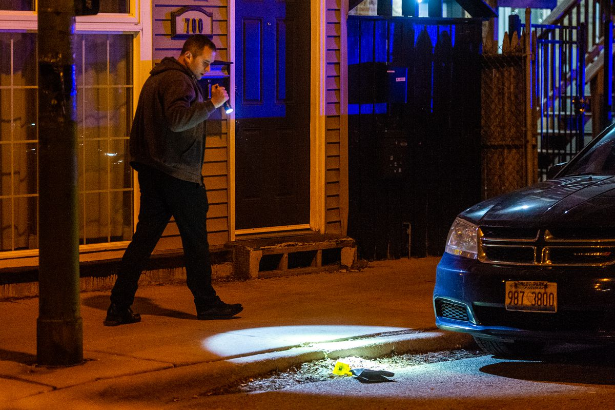 Chicago Police investigate the scene where a 26-year-old man was wounded in a shooting, Sunday morning, in the 700 block of North Nobel, in the West Town neighborhood. | Tyler LaRiviere/Sun-Times