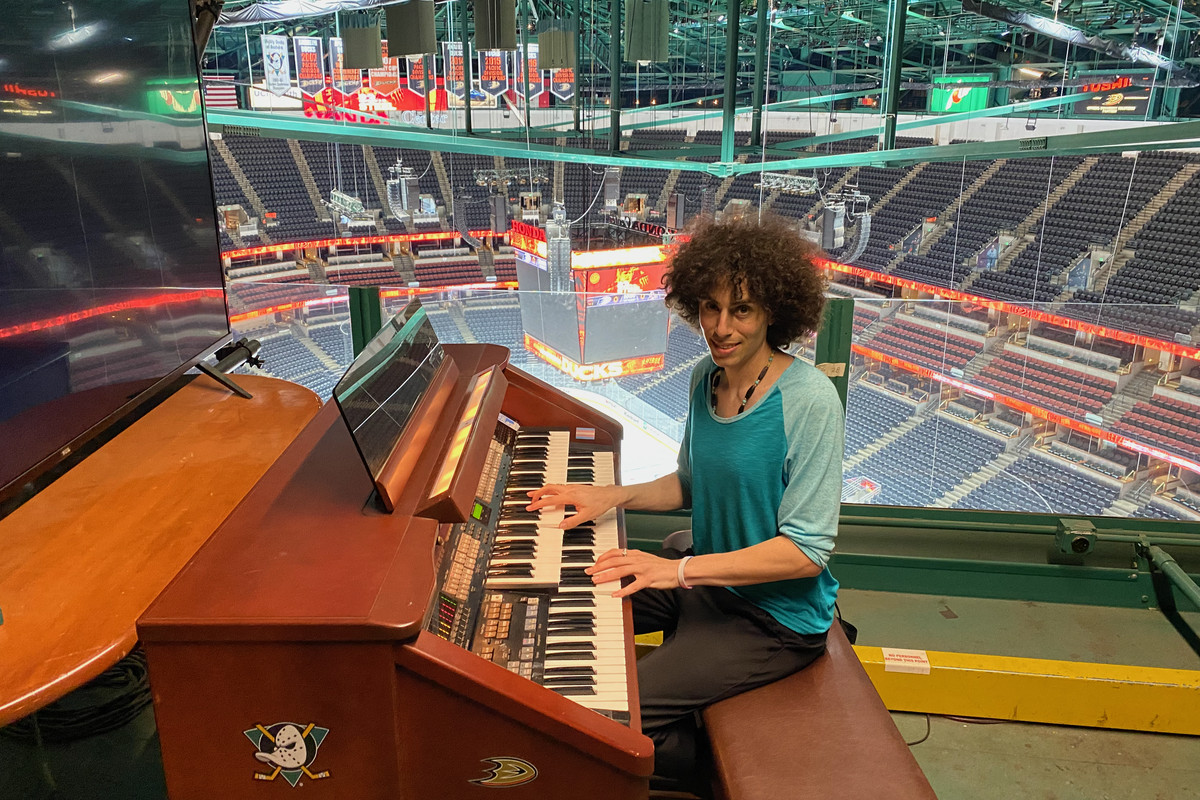 Lindsay Imber at the organ for the Anaheim Duck at the Honda Center.