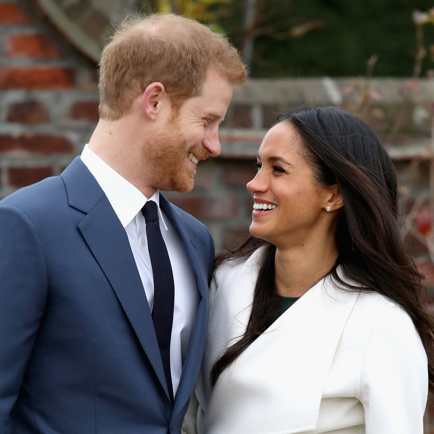 why meghan markle s engagement to prince harry is controversial vox prince harry is controversial