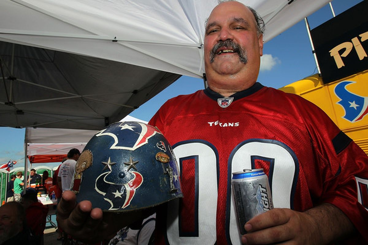 <em><strong>Want to tailgate with Tim (Pictured above...notice the Coors Light)? You have to be in possession of a game ticket to do so from now on...</strong></em>