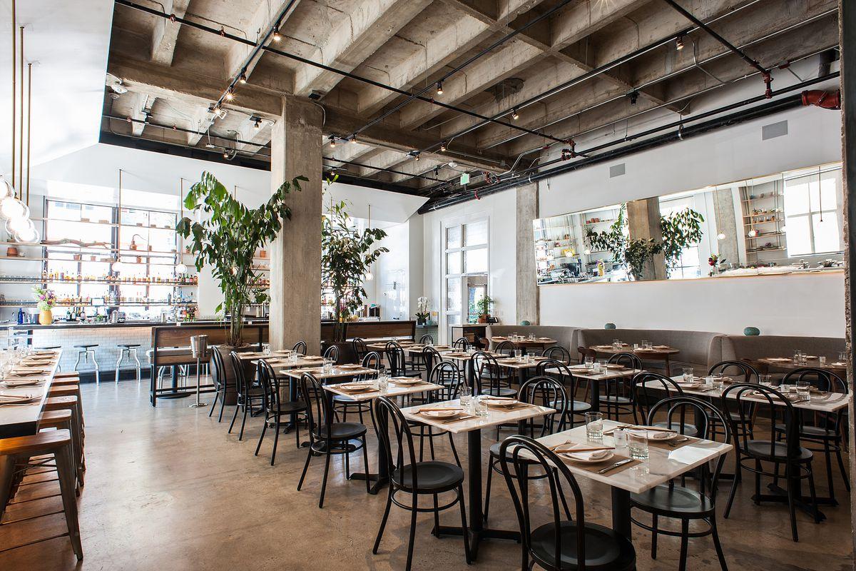 Pete Wells  Stars Restaurant Reviews