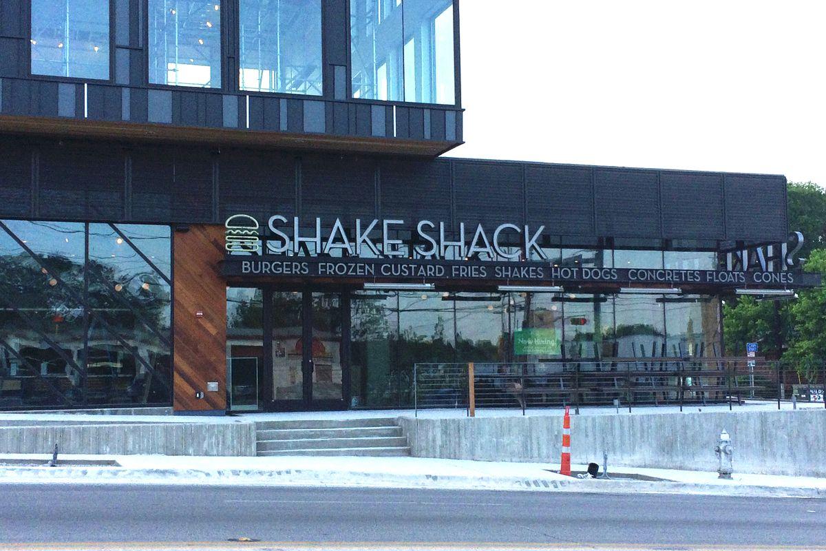 Shake Shack's signage