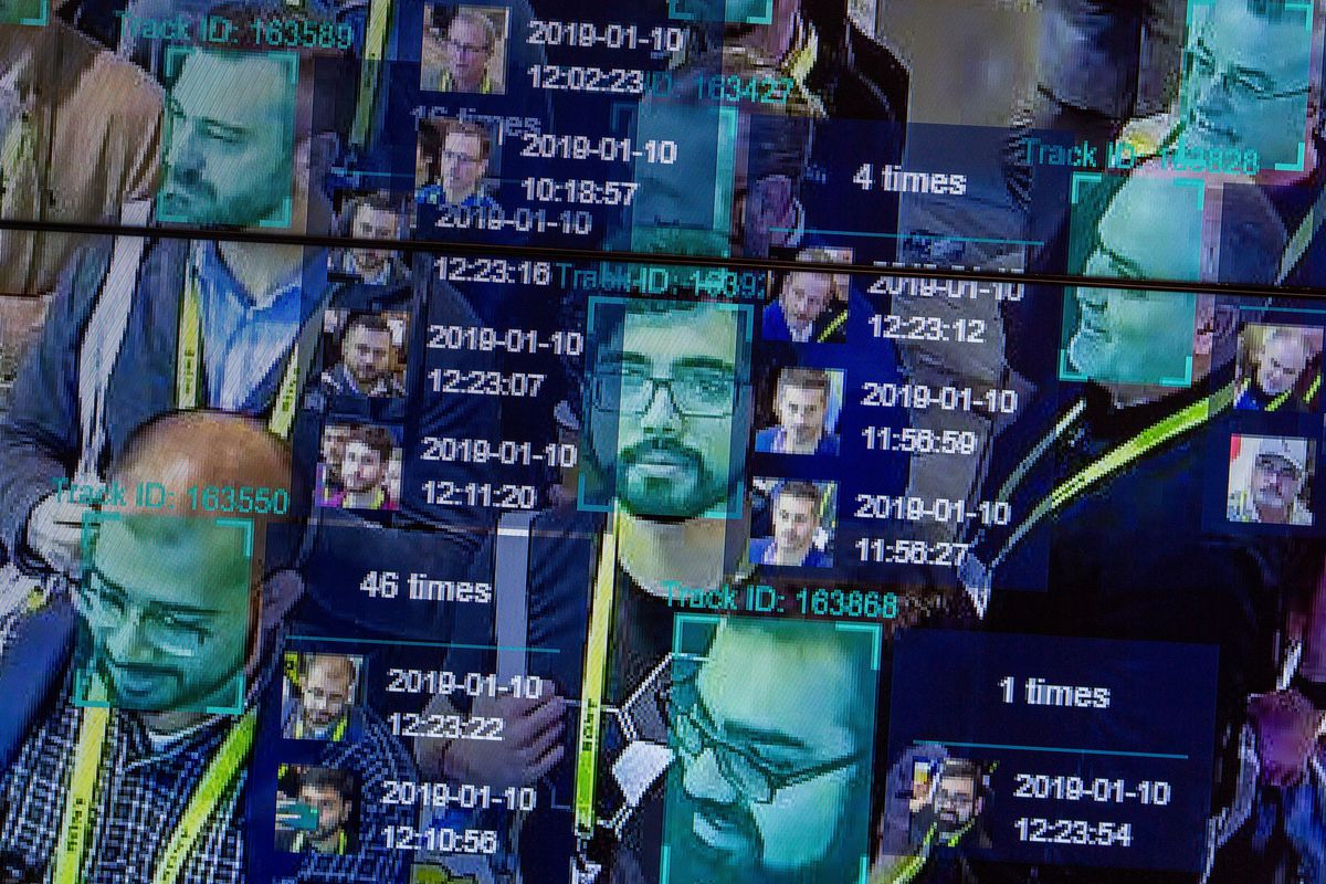 A crowded screen showing faces and various amounts of data.