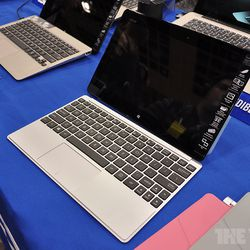 Asus VivoTab Smart aims for Surface with full Windows 8, but
