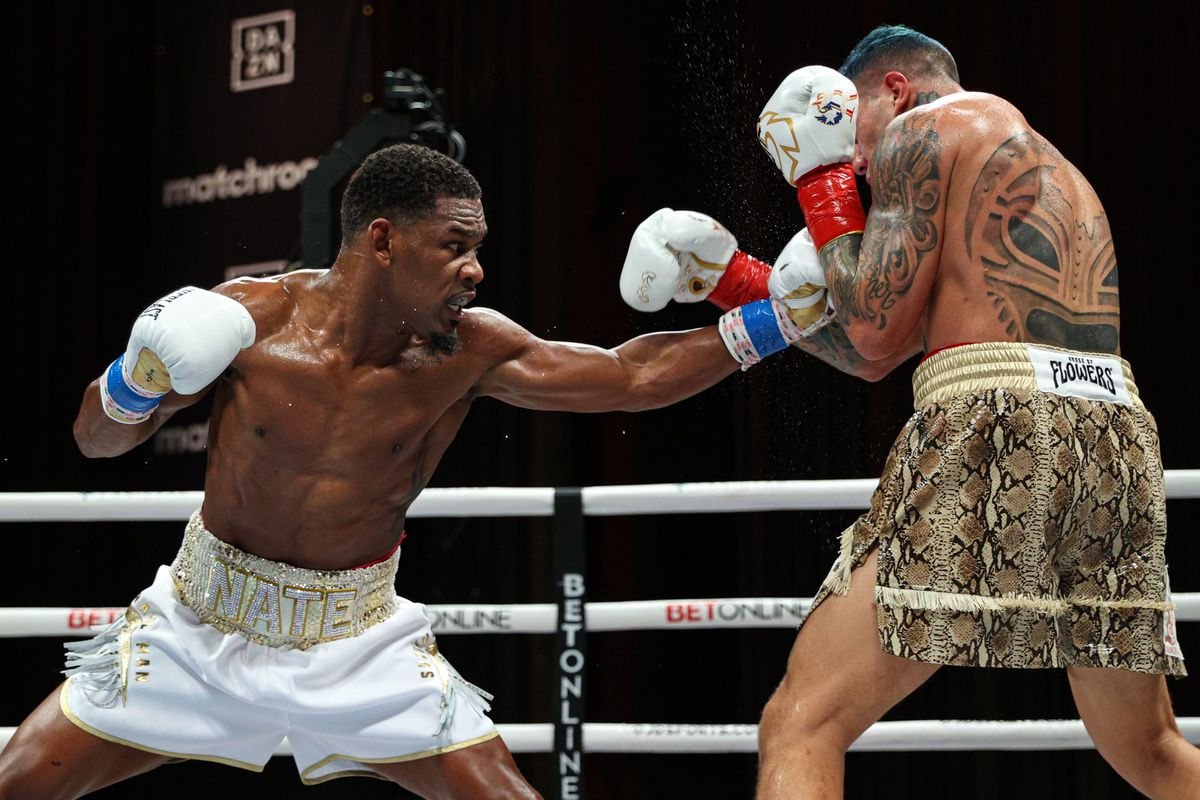 Boxing pros react to disappointing Jacobs-Rosado fight - Bad Left Hook