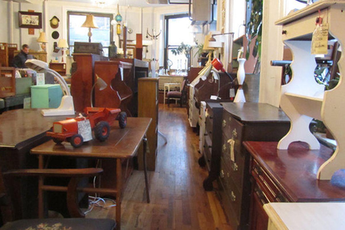 "Image via <a href=""http://krrb.com/posts/8045-event-antique-furniture-flash-sale-salsa-sangria?rf=corner-furnishgreen"">Krrb</a>"
