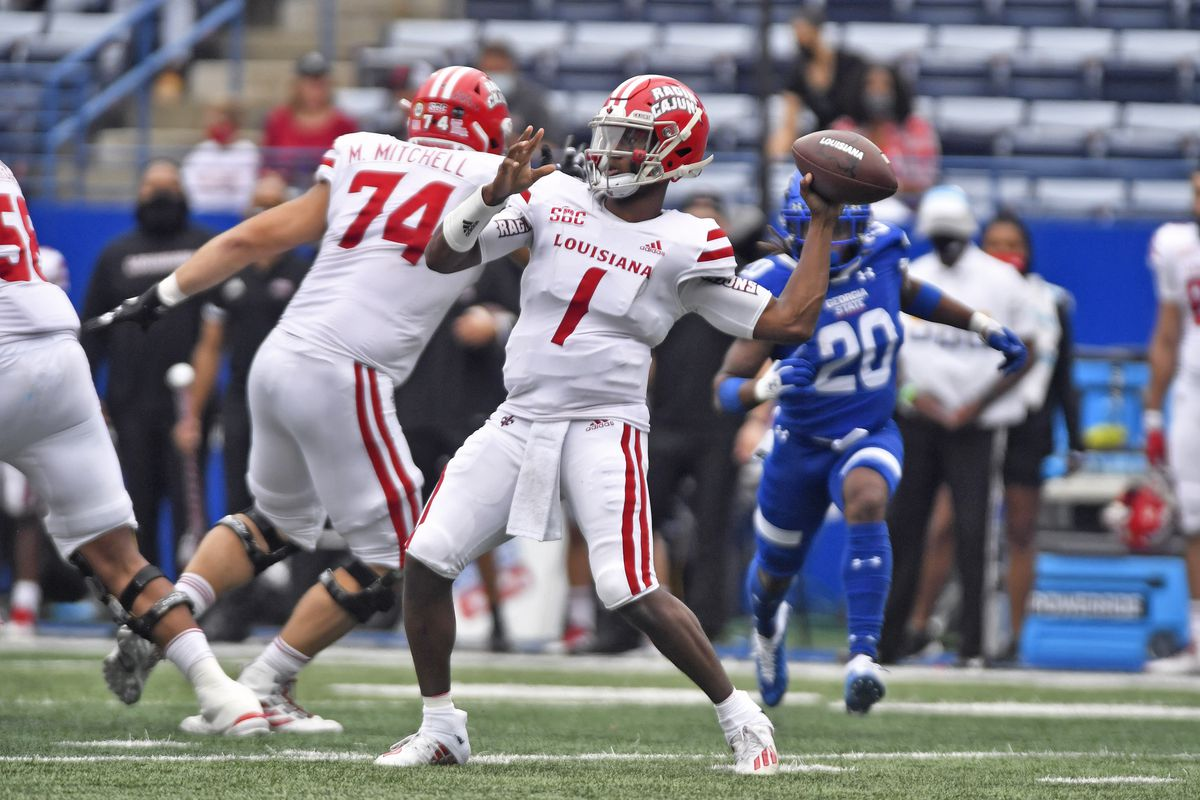 Louisiana quarterback Levi Lewis makes a pass during the game between the Louisiana-Lafayette Ragin Cajuns and the Georgia State Panthers on September 19, 2020, at Center Parc Credit Union Stadium in Atlanta, GA.