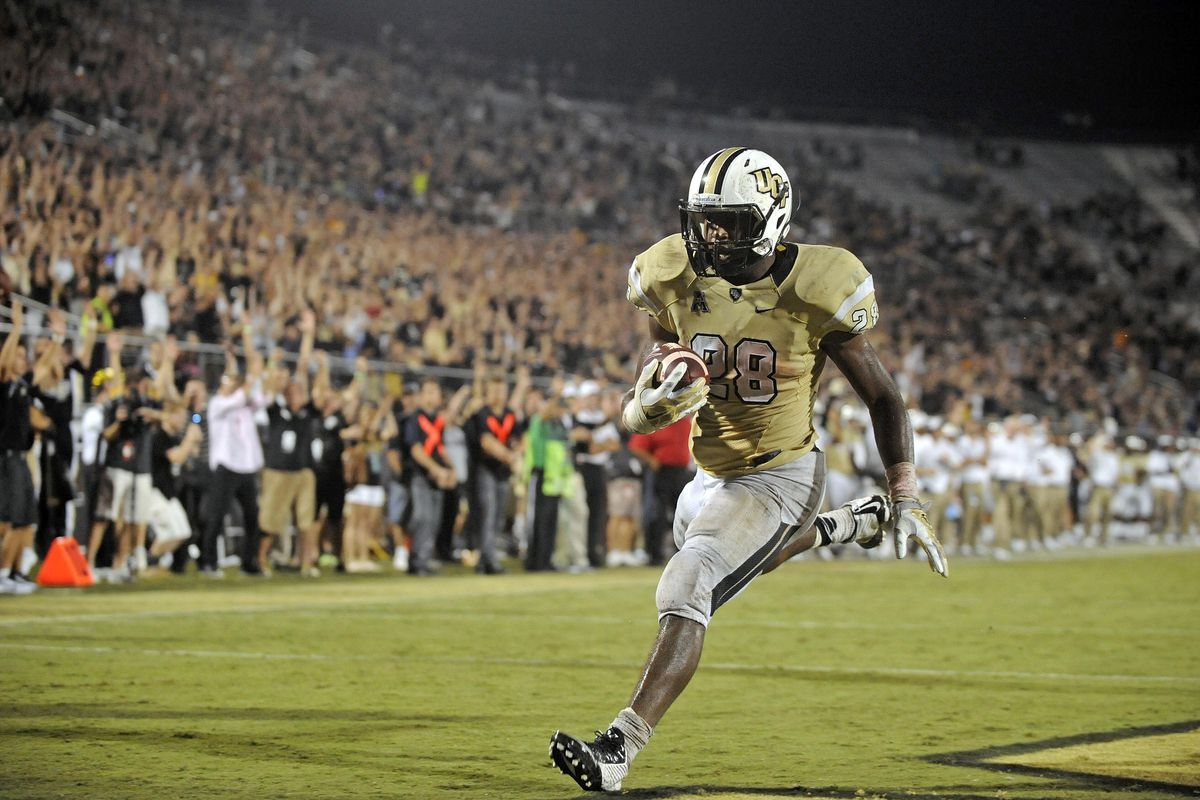 Stanback rumbles ahead for the winning TD against BYU