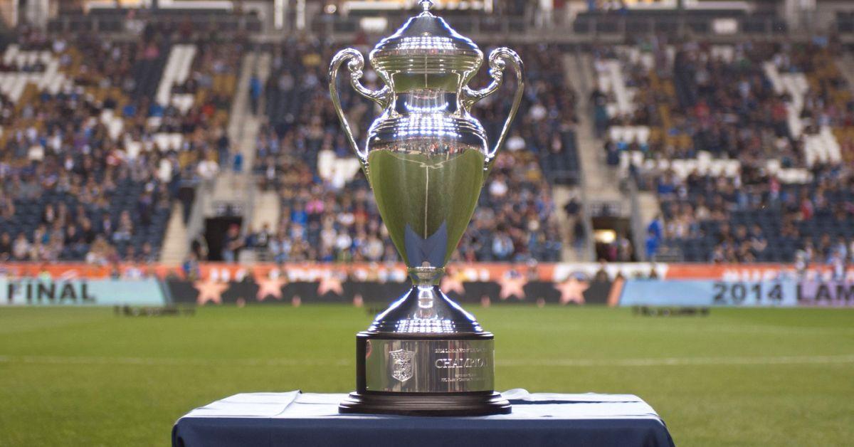 2014_usoc_trophy