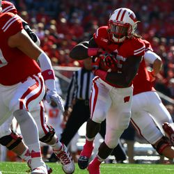 Running Back Melvin Gordon takes a hand off