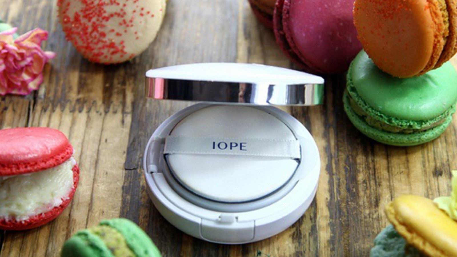 How 5 Portable Foundation Cushion Compacts Compare to the Korean Holy Grail