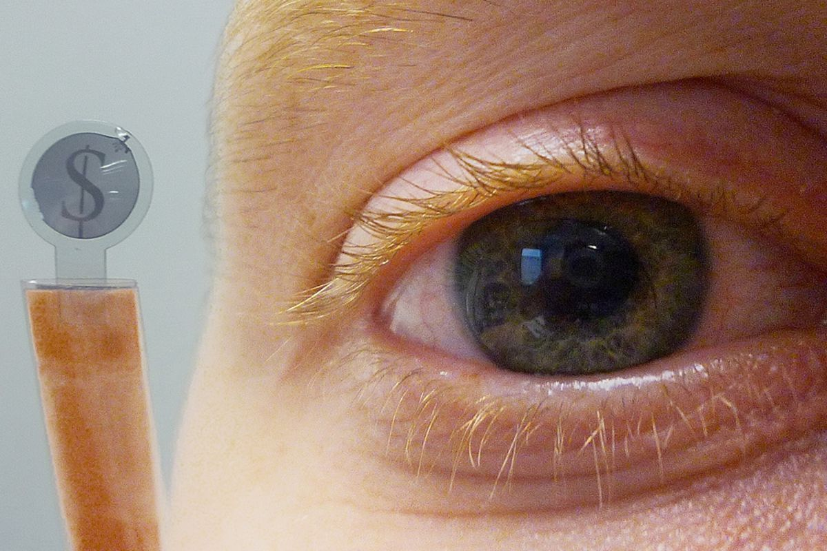 LCD contact lens