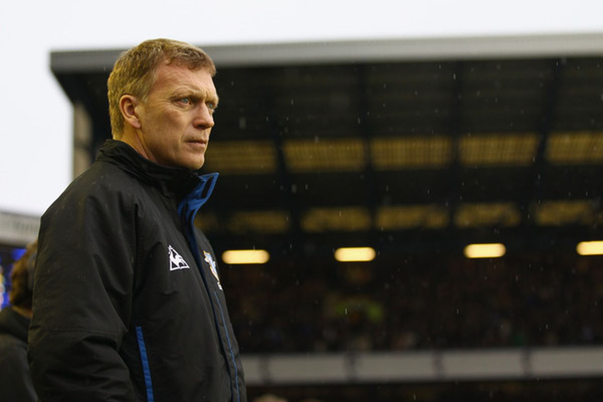 LIVERPOOL ENGLAND - FEBRUARY 05:   Everton manager David Moyes prior to the start of the Barclays Premier League match between Everton and Blackpool at Goodison Park on February 5 2011 in Liverpool England.  (Photo by Clive Brunskill/Getty Images)