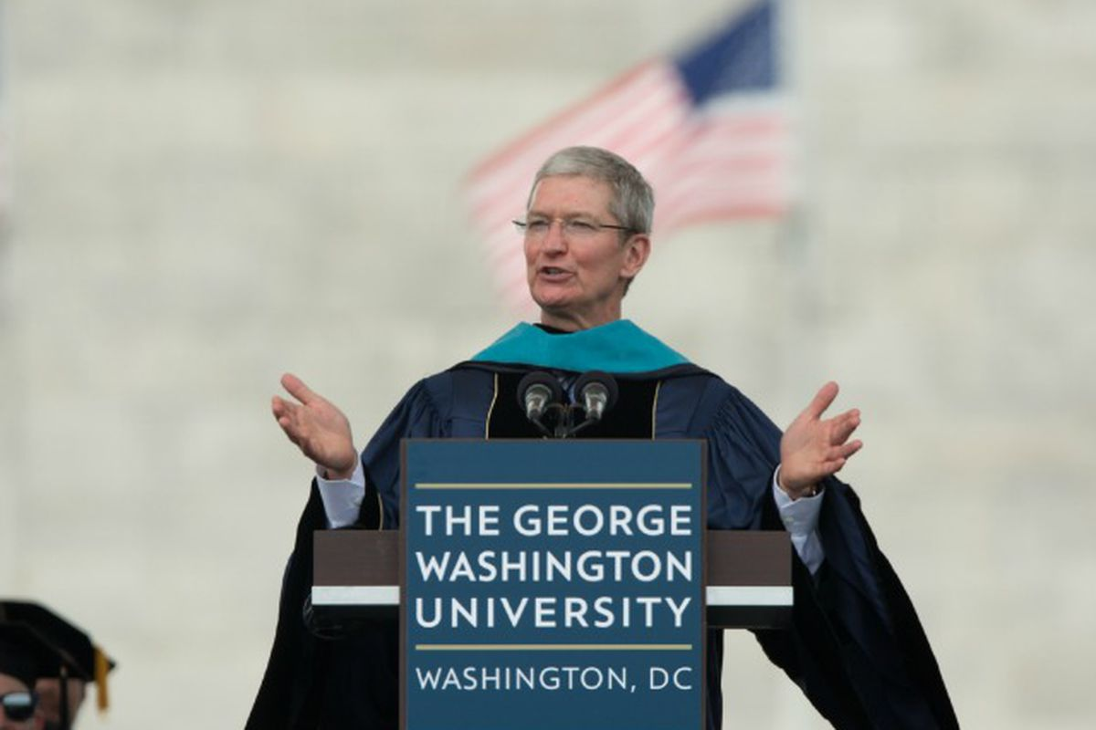 Tim Cook to College Grads: Don't Spend Your Life on the Sidelines (Video)