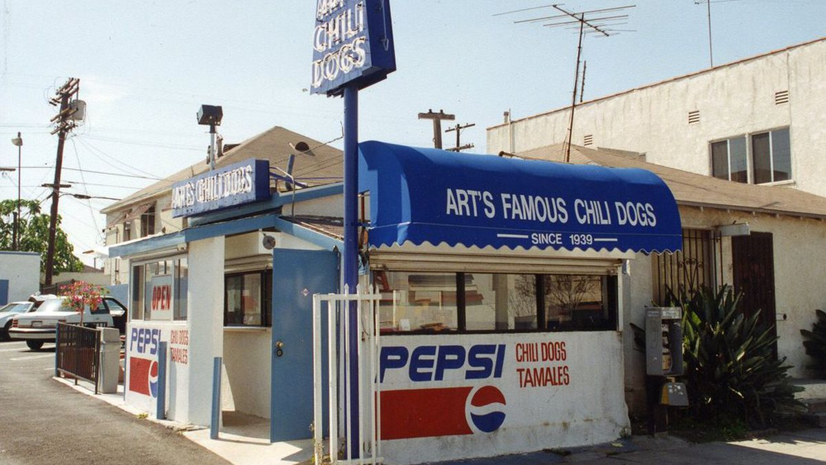 This Humble Stand Is the Birthplace of the Chili Dog - Eater LA