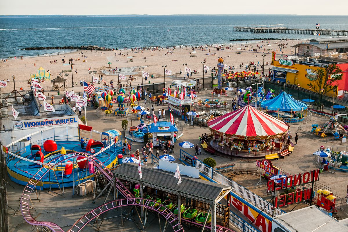 Coney Island Hours >> Coney Island S Luna Park Wants You To Help Name Its Three