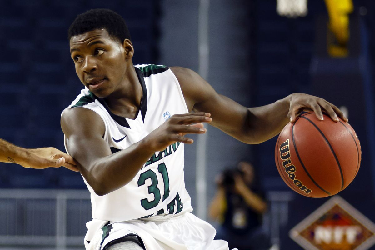 Charlie Lee of Cleveland State score 12 of his 31 points in the last 5 minutes of the game.