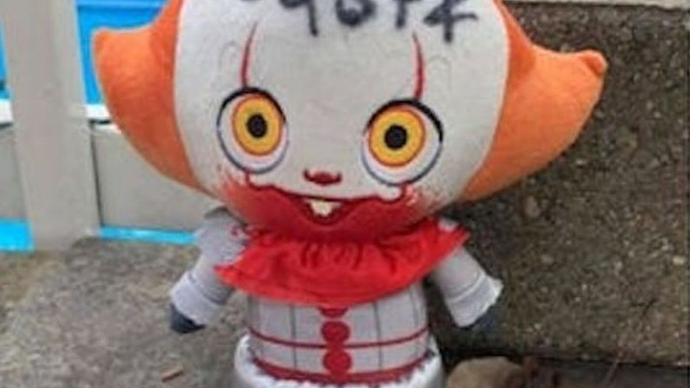 A Pennywise Toy Literally Floated Into Someone's Yard, Oh HELL No