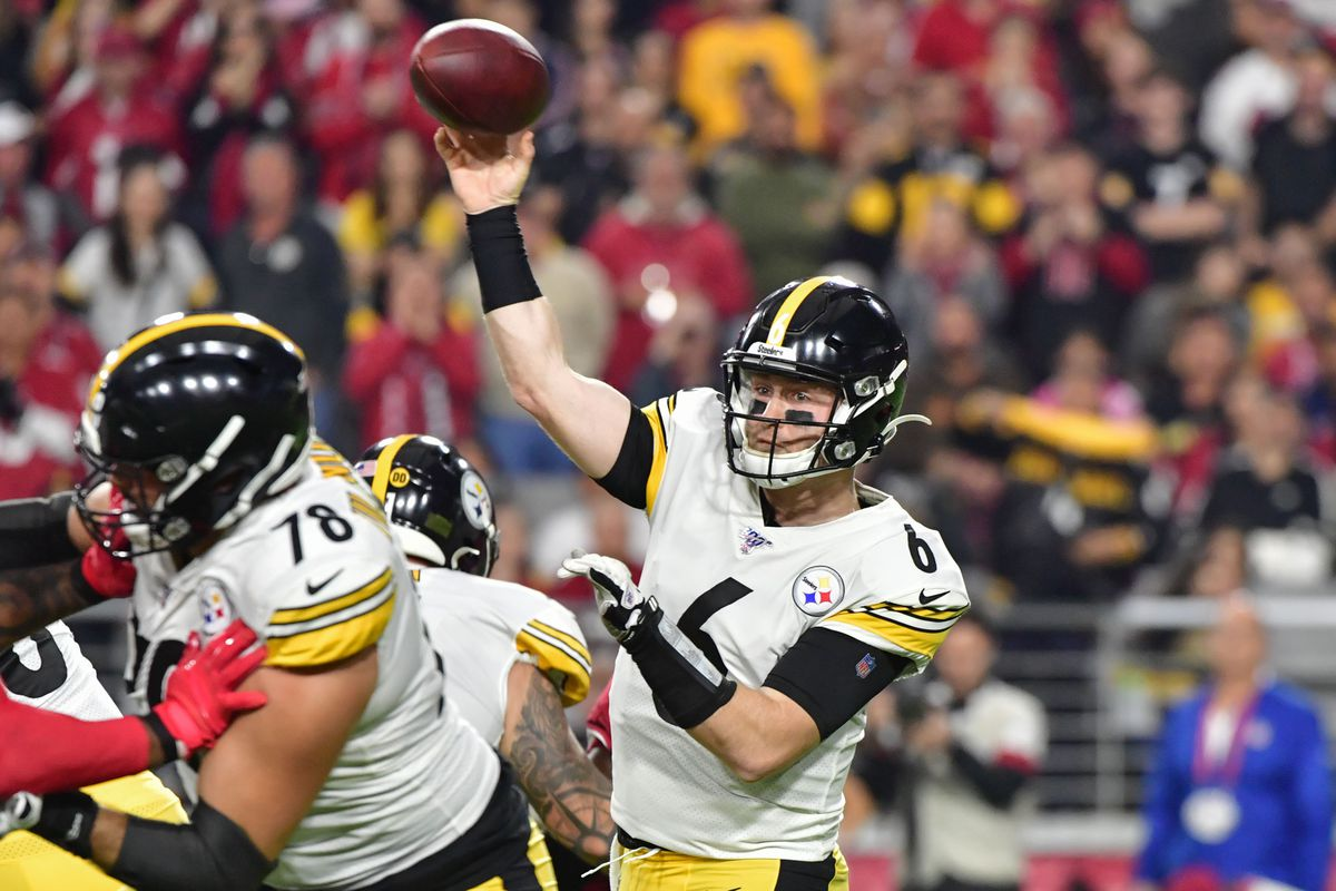 Pittsburgh Steelers quarterback Devlin Hodges throws during the first half against the Arizona Cardinals at State Farm Stadium.