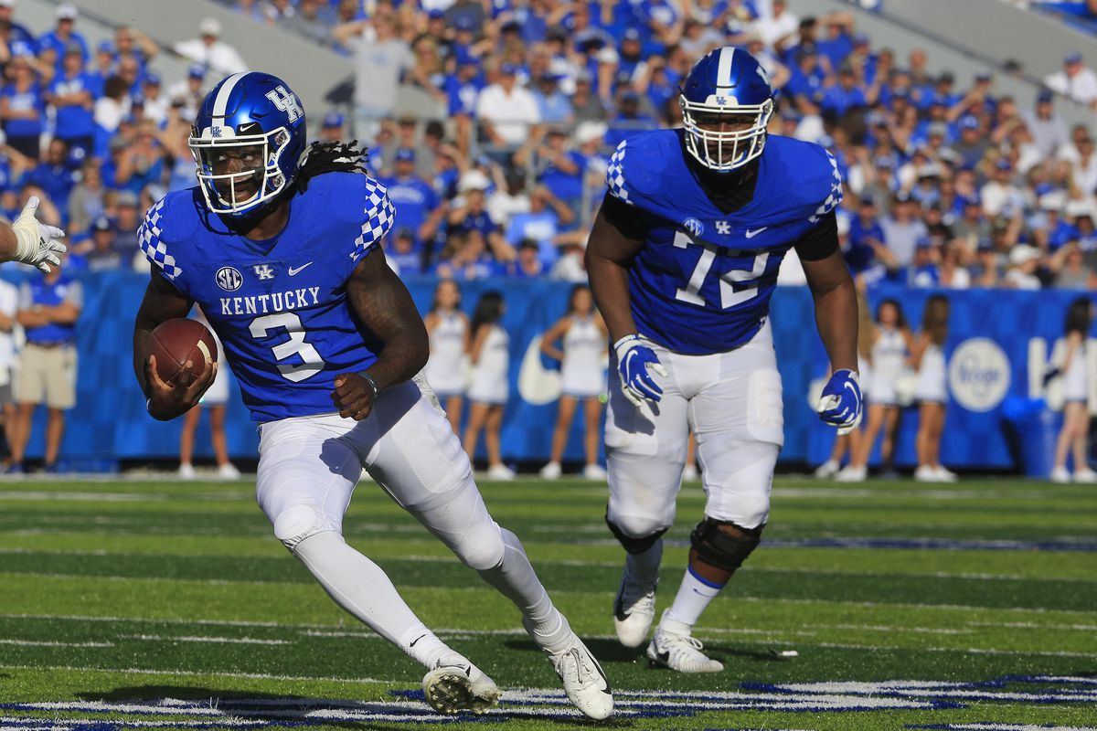 Breaking down the Kentucky quarterback play vs. Central ...