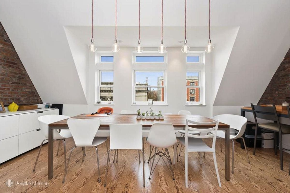 Record breaking central harlem townhouse sells for for Townhouses for sale in harlem