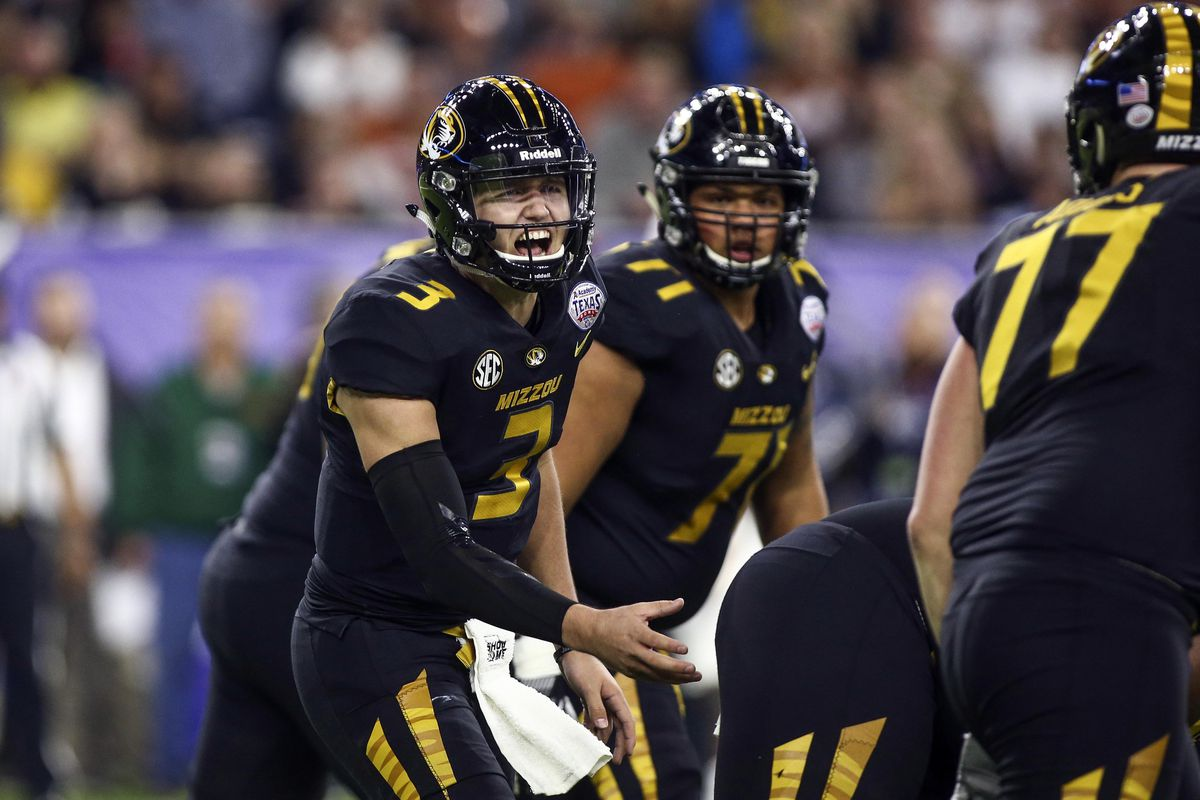 mizzou football 2018  drew lock enjoys derek dooley u2019s