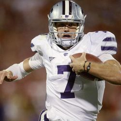 Kansas State quarterback Collin Klein carries for a touchdown against Oklahoma in the fourth quarter of an NCAA college football game in Norman, Okla., Saturday, Sept. 22, 2012. Kansas State won 24-19.