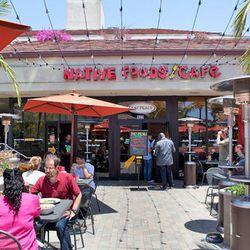 "<a href=""http://la.eater.com/archives/2012/07/05/native_foods_brings_the_vegan_to_santa_monica.php"">LA: <strong>Native Foods</strong> Brings the Vegan to Santa Monica</a> [Elizabeth Daniels]"