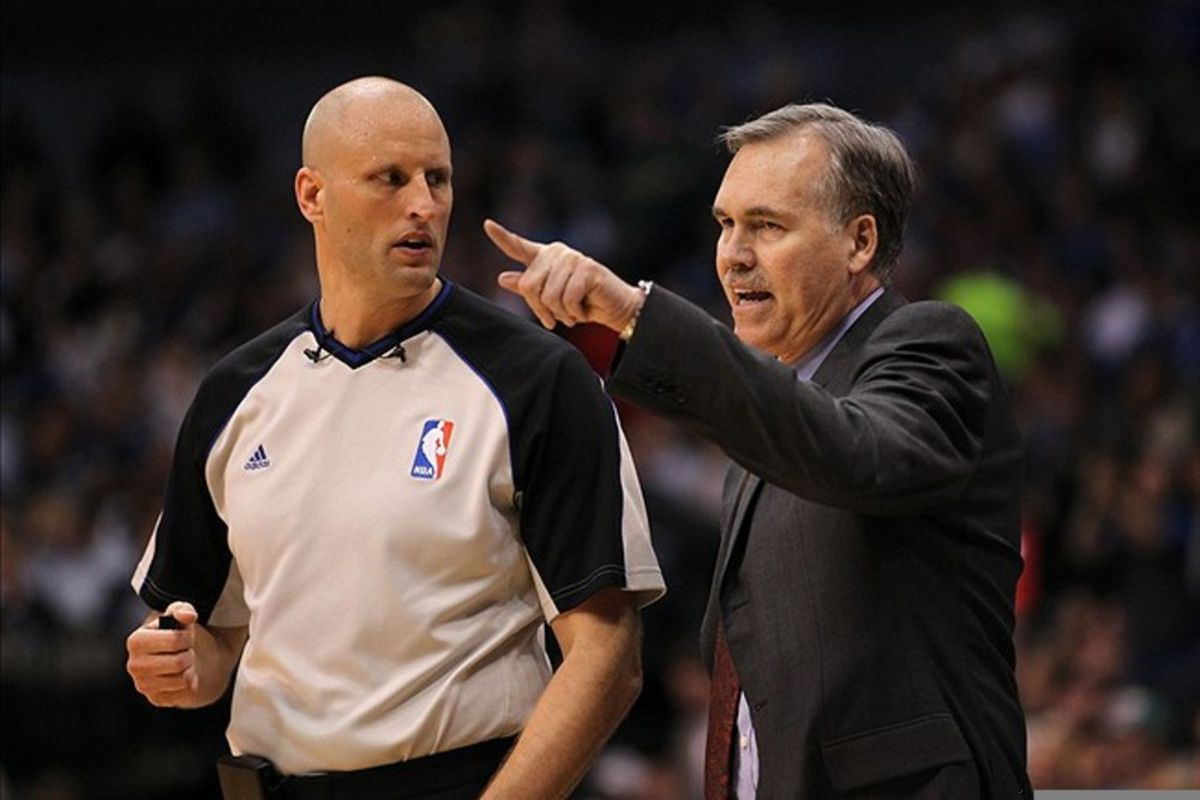 D'Antoni won't be able to chase officials for a while