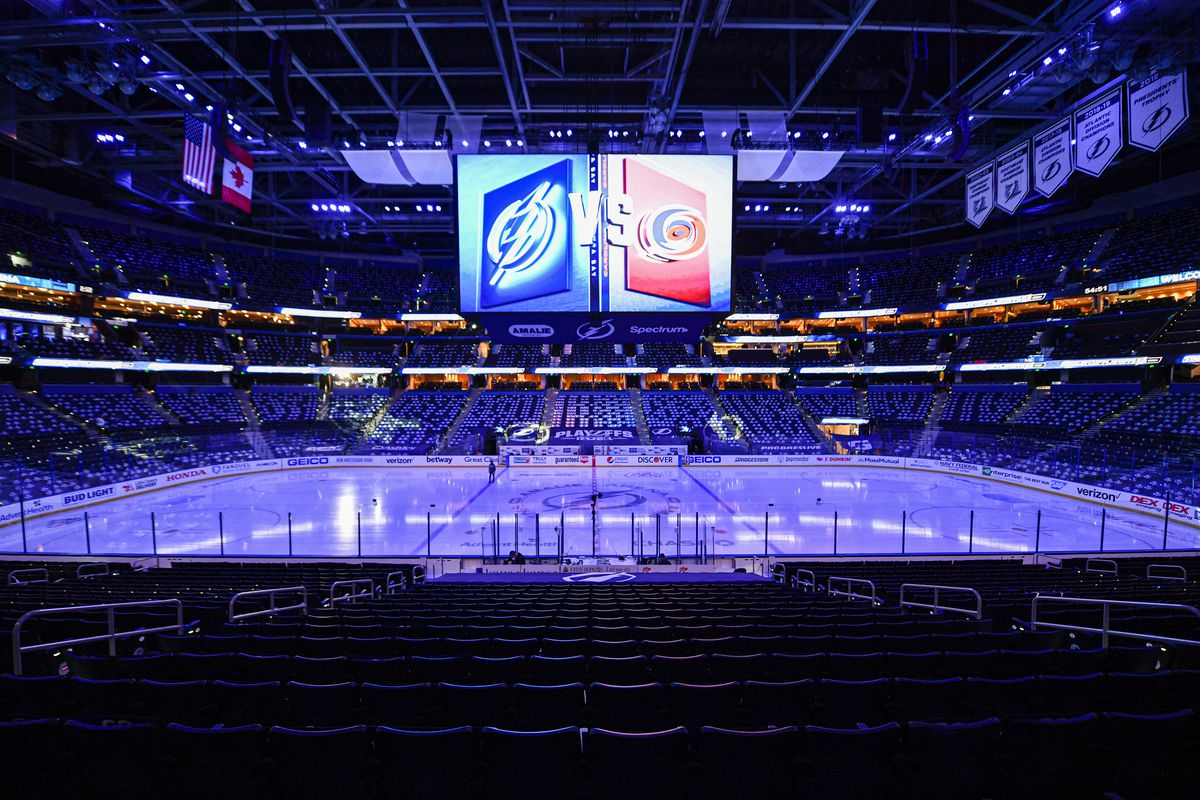 NHL: JUN 05 Stanley Cup Playoffs Second Round - Hurricanes at Lightning
