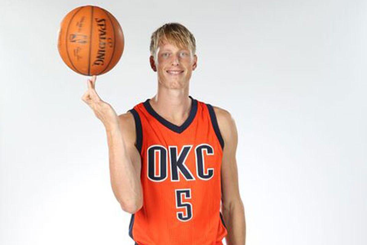 171c0aae5e3e The Thunder get a new orange alternate uniform for the 2015-16 ...