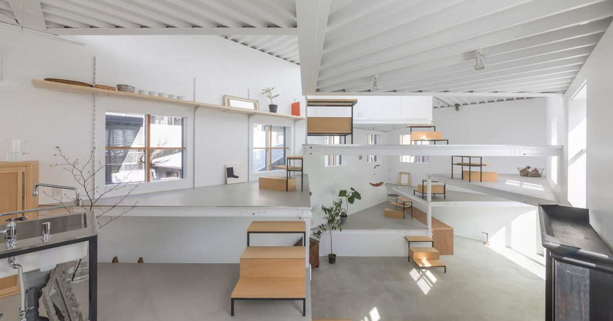 Would you live in this Japanese home made up of spiraling platforms?