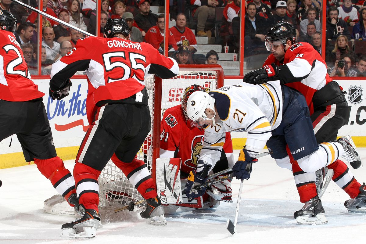 Craig Anderson, chilling amidst chaos.