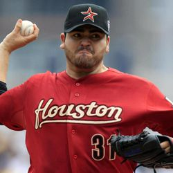 Houston Astros pitcher Edgar Gonzalez delivers during the first inning of a baseball game against the Pittsburgh Pirates in Pittsburgh Monday, Sept. 3, 2012.