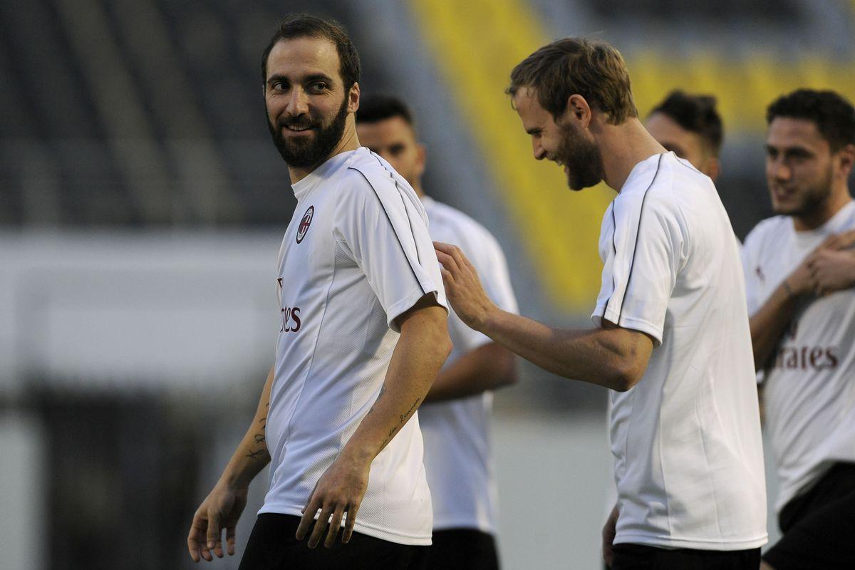 AC Milan Training Session - Italian Supercup Previews