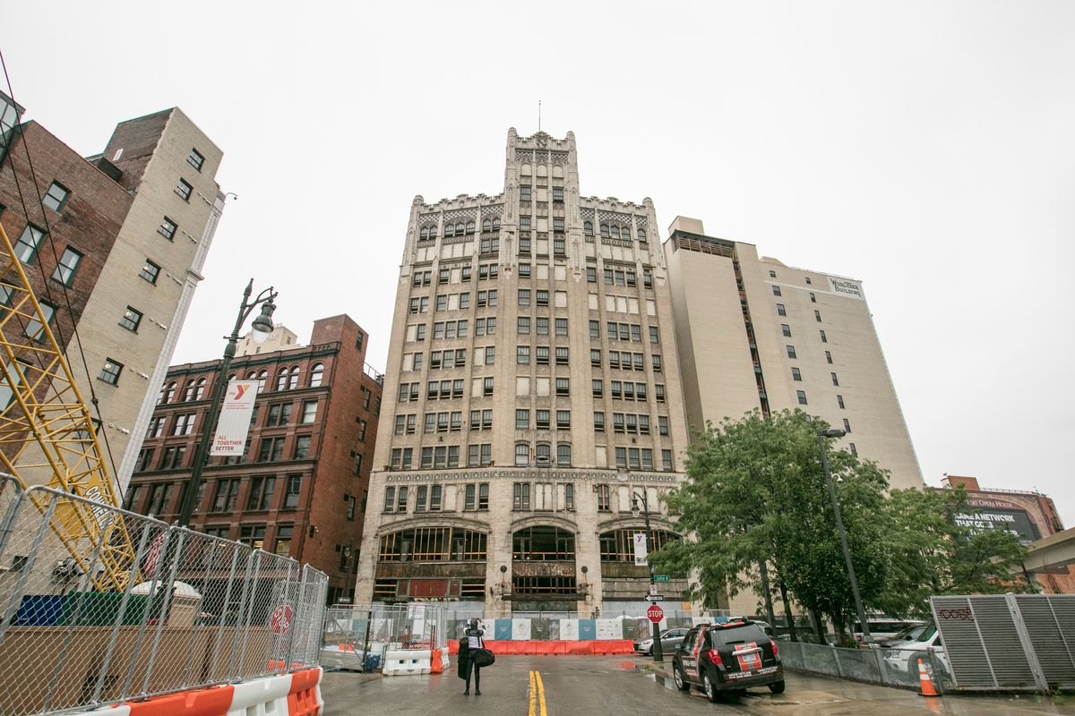 The metropolitan building officially starts redevelopment into element detroit hotel curbed for Metropolitan exteriors inc reviews
