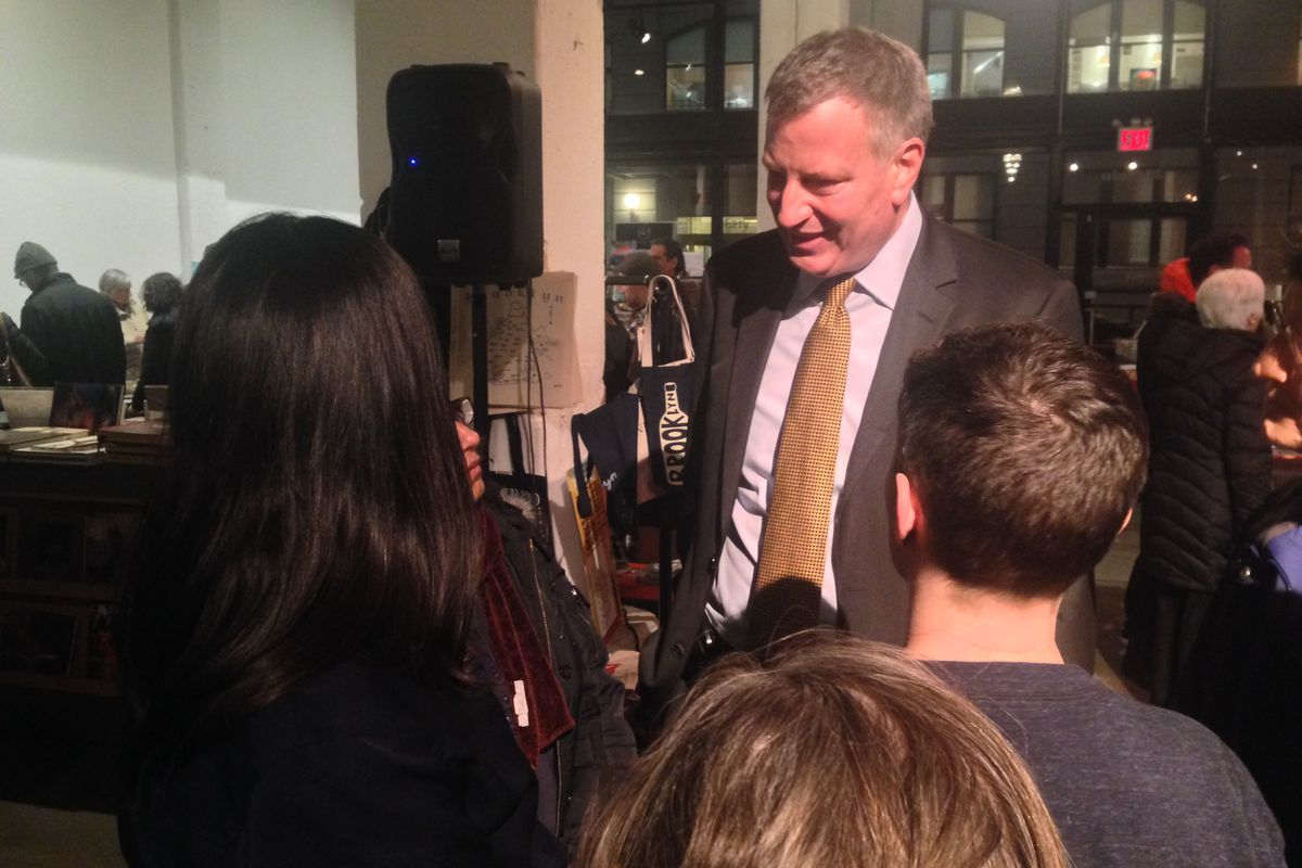Mayor Bill de Blasio spoke with concerned parents and teachers at an event focused on opting out of state standardized testing in Brooklyn Monday night.