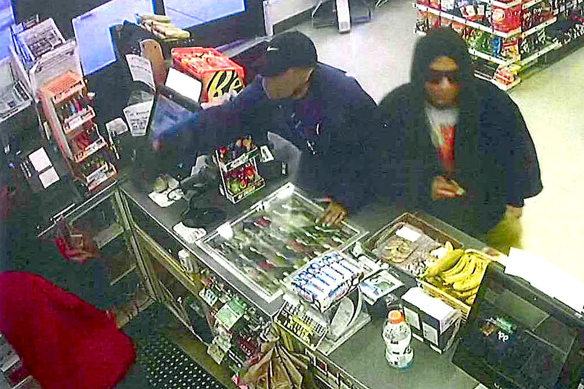 7-Eleven robbed at gunpoint in Niles