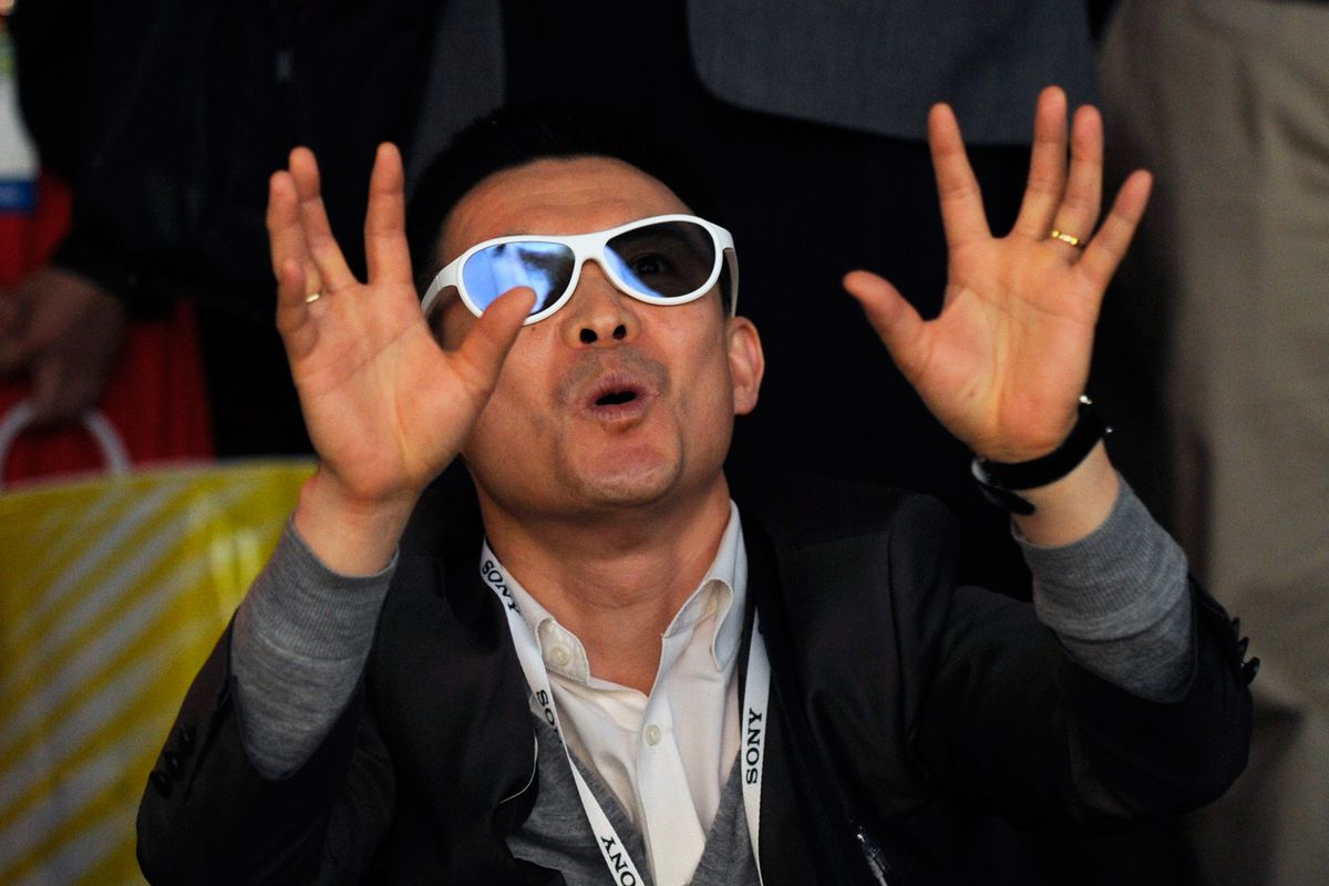 An attendee uses 3D glasses to view a video demostration at the LG booth at the 2014 International CES at the Las Vegas Convention Center on January 7, 2014 in Las Vegas, Nevada.