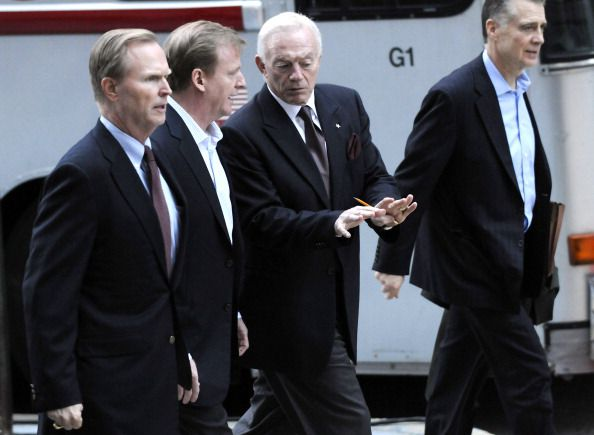 roger goodell and friends