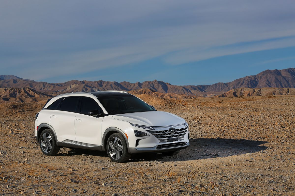 Hyundai Nexo fuel-cell SUV unveiled