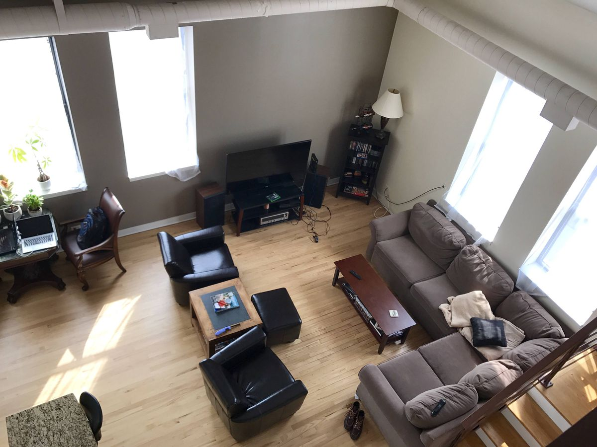 Spacious loft in wicker park s north avenue baths building Cheap 2 bedroom apartments in milwaukee