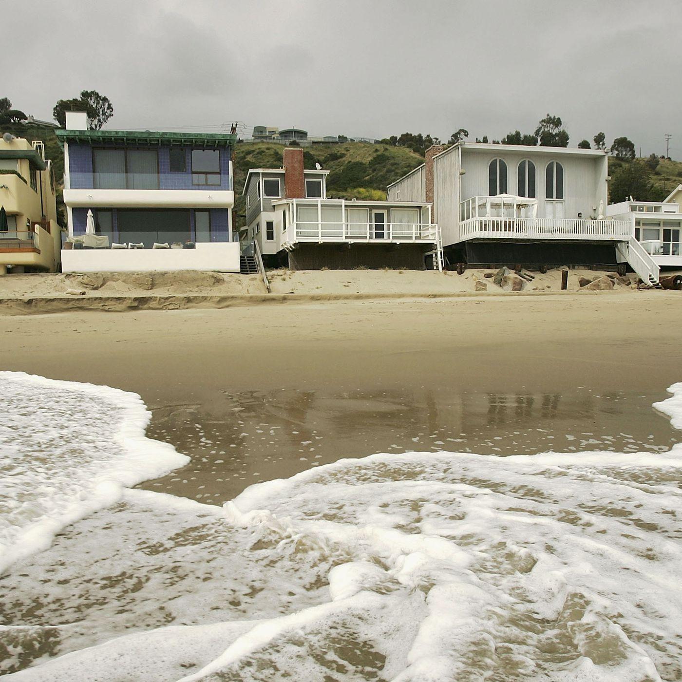 Sea level rise in Malibu - Curbed LA