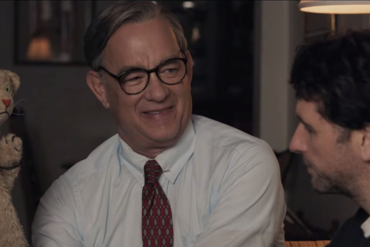 Tom Hanks Fred Rogers Wants To Be Your Neighbor In First A Beautiful Day In The Neighborhood Trailer Deseret News