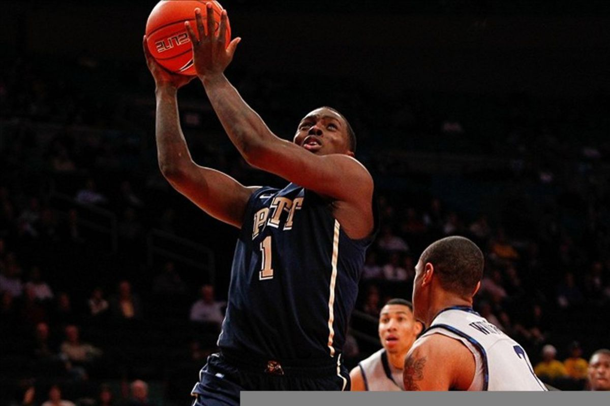 Pitt needs a healthy Tray Woodall at the point (Debby Wong-US PRESSWIRE)